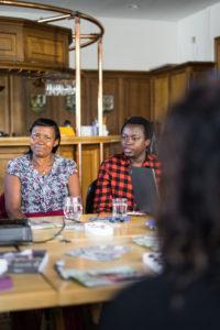 Marthe Uwiherewenimana bei ihrem Vortrag in Berlin